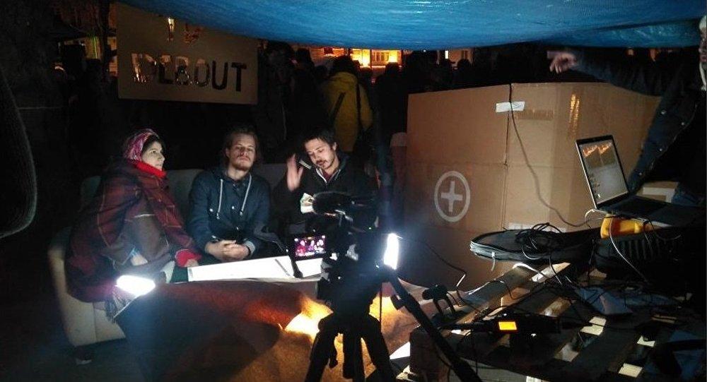 «Nuit Debout» lance une radio