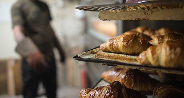 Un boulanger cède son commerce au sans-abri pour un euro symbolique