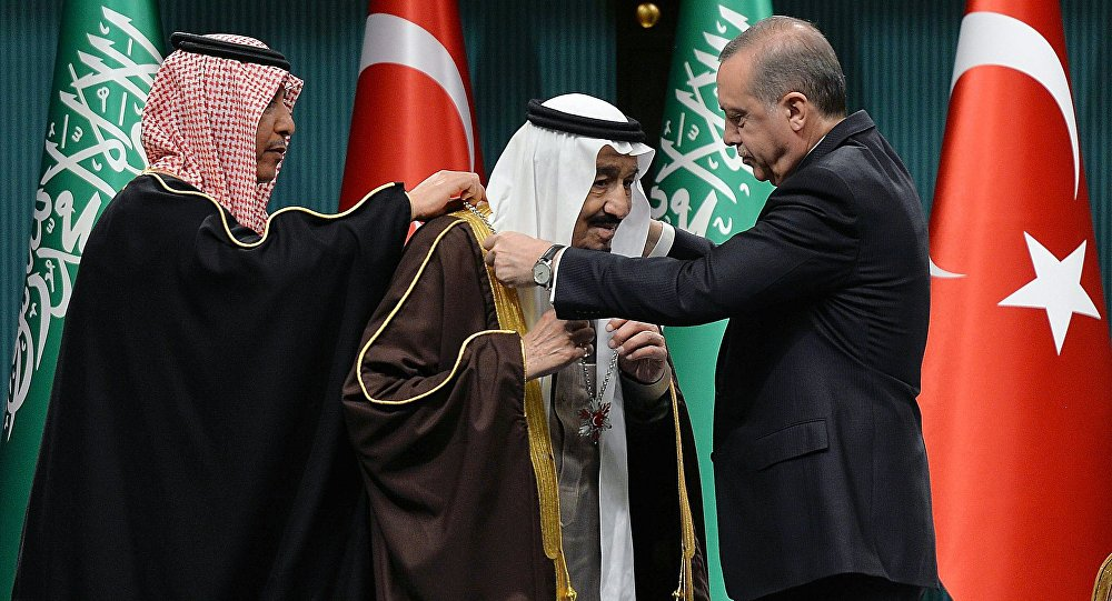 Le roi saoudien Salmane ben Abdelaziz Al Saoud et le président turc Recep Tayyip Erdogan