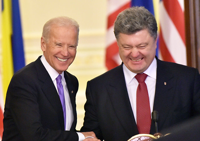 Joe Biden et Piotr Porochenko