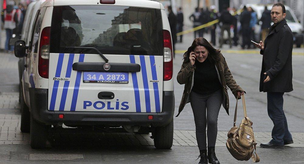 Sur les lieux de l'attentat-suicide du 19 mars 2016 à Istanbul.