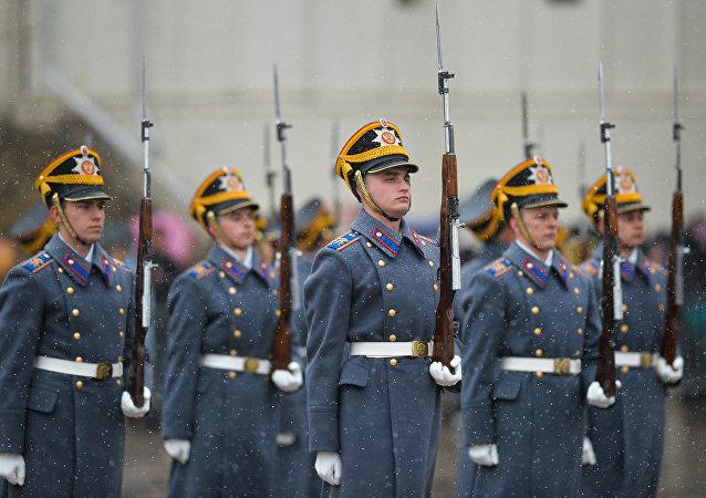 Церемония развода пеших и конных караулов Президентского полка