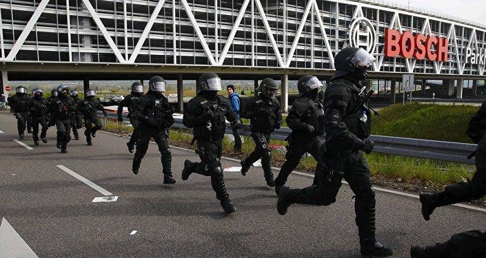 Allemagne: des manifestations pro-migrants à Stuttgart, 400 personnes arrêtées