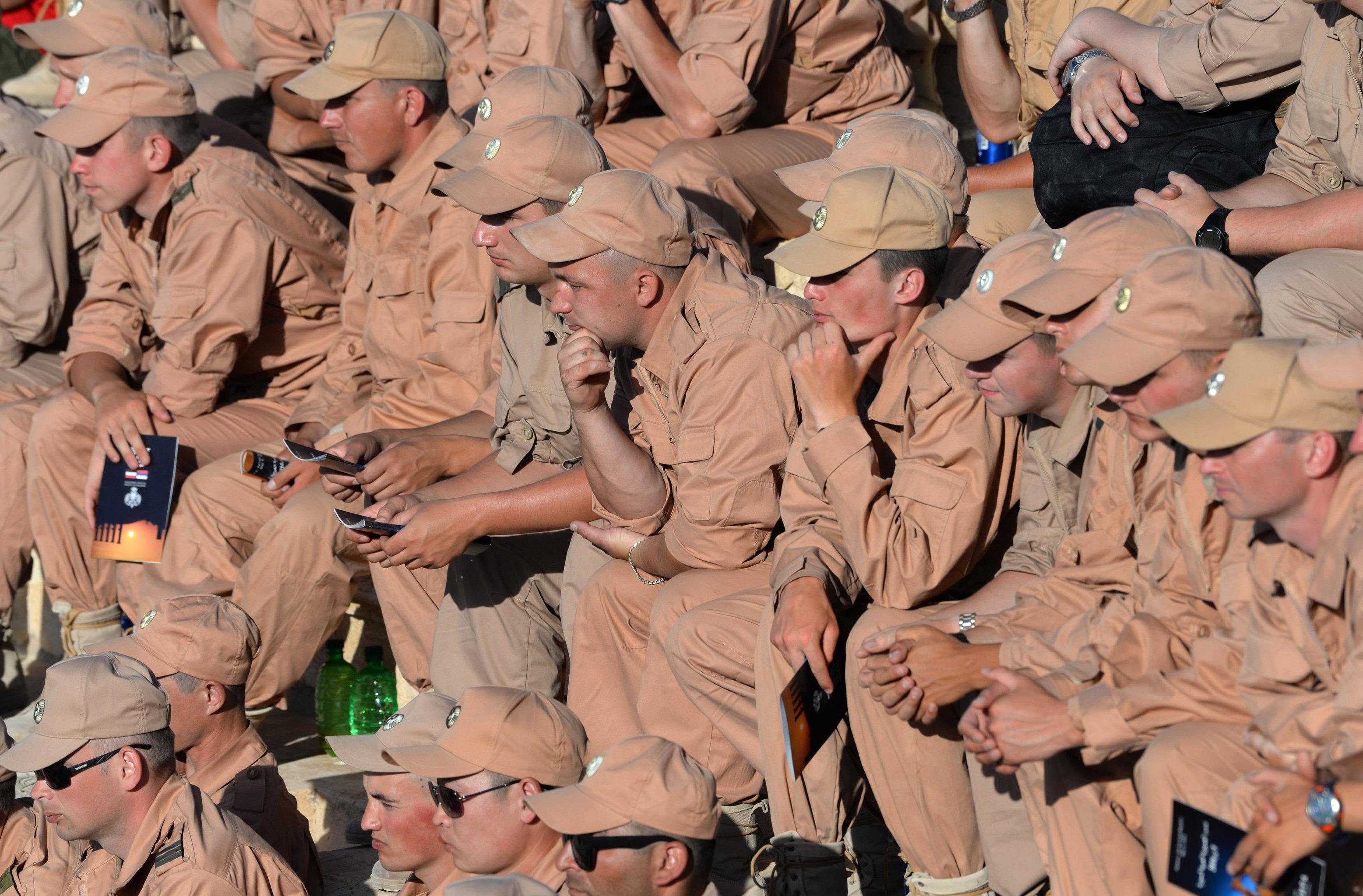 Les militaires au concert à Palmyre