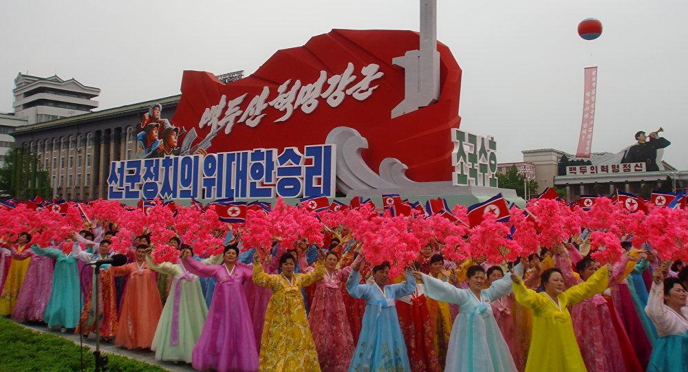 Le défilé de femmes