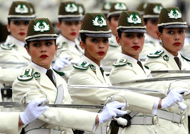 L'uniforme militaire féminin à travers le monde