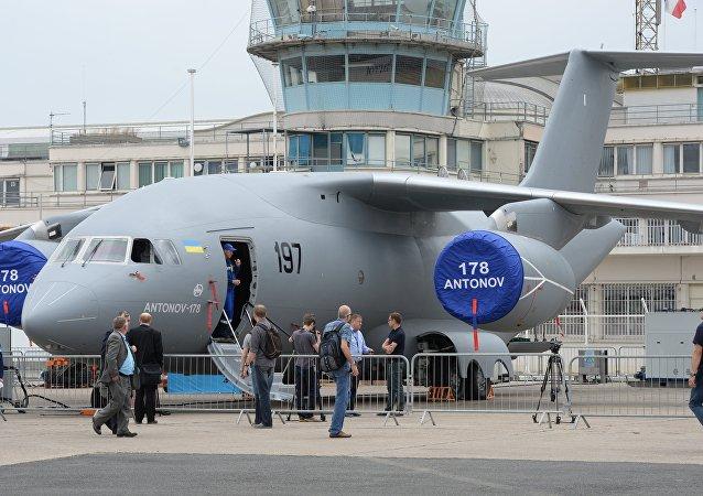 Un Antonov An-178