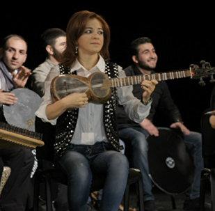 Quand les hits populaires sonnent à la azerbaïdjanaise