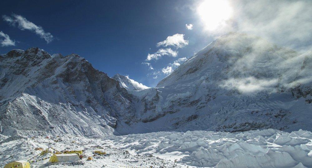 Népal: limite d'âge pour les conquérants de l'Everest