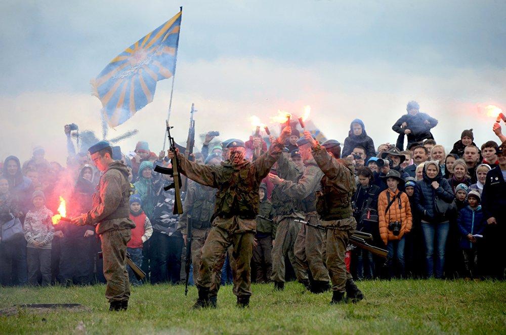 L'anniversaire des patrouilles acrobatiques Strijis et Preux russes