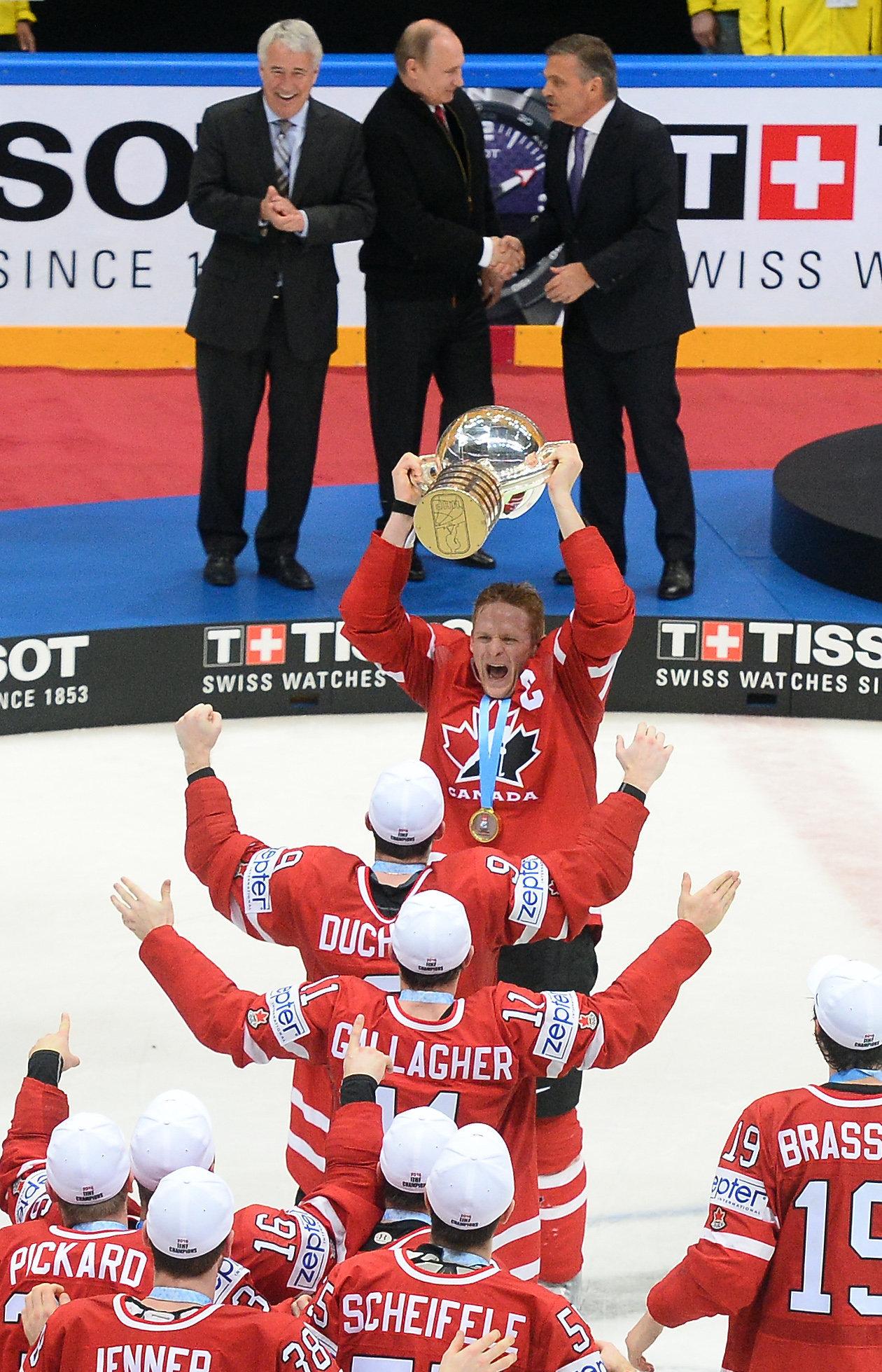 Vladimir Poutine a félicité la sélection canadienne pour sa victoire au championnat du monde de hockey sur glace
