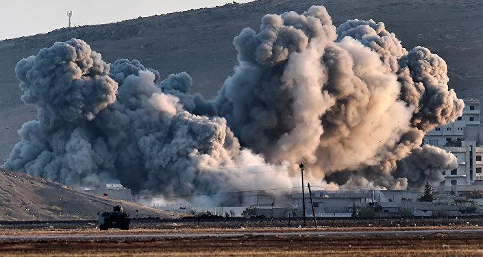 La ville de Kobané pilonnée par la coalition