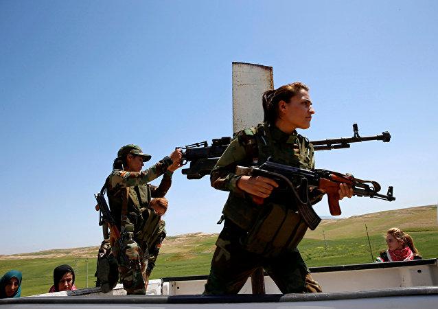 les Yézidis créent une force d'autodéfense
