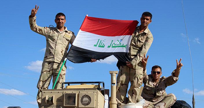 Les forces d'autodéfense irakiennes prennent un point stratégique à l'ouest de Mossoul