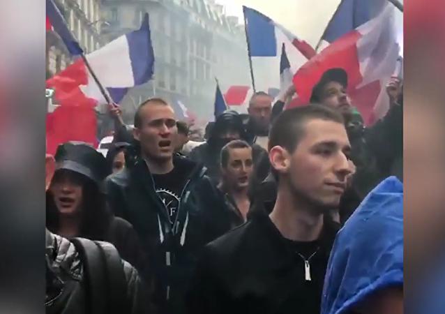 Manifestation On est chez nous sur la Place Monge à Paris