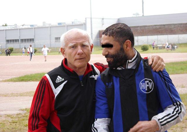Gerhard Mewes et un de ses joueurs