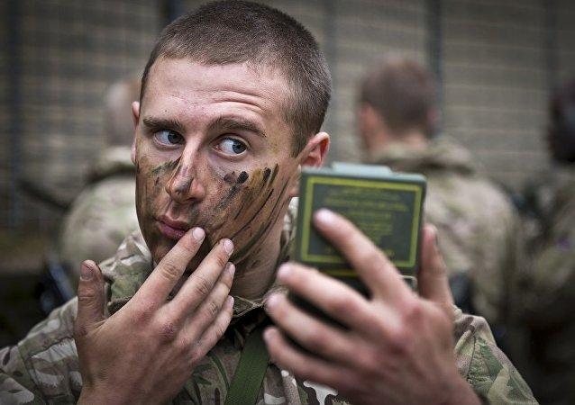 Le soldat de l'Otan lors de la formation