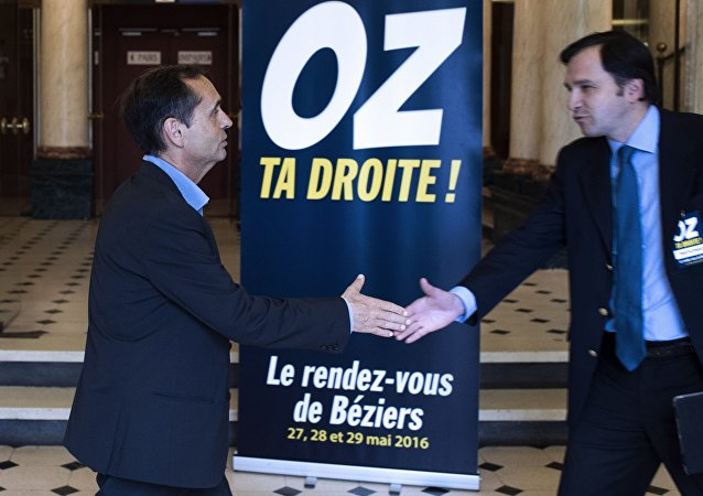Face au FN, Robert Ménard Oz sa droite