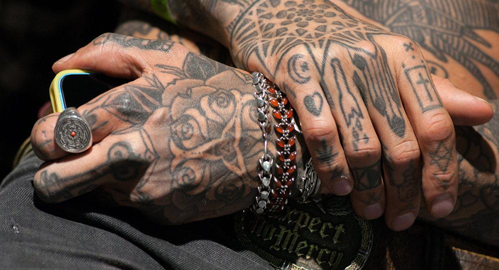 Beaux et dangereux: les scientifiques mettent en garde contre les tatouages