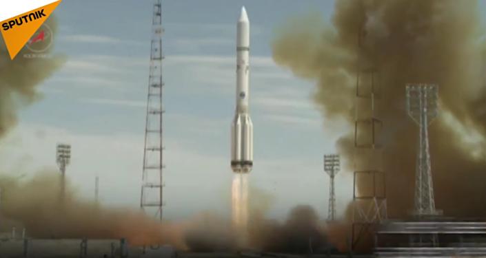 Une fusée Proton-M avec un satellite US décolle de Baïkonour