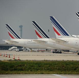 Les avions d'Air France sont stationnés sur le tarmac de l'aéroport Charles de Gaulle le 24 Septembre 2014 d'une grève des pilotes d'Air France