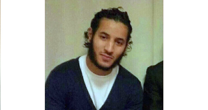 Le terroriste des Yvelines a diffusé son forfait sur Facebook