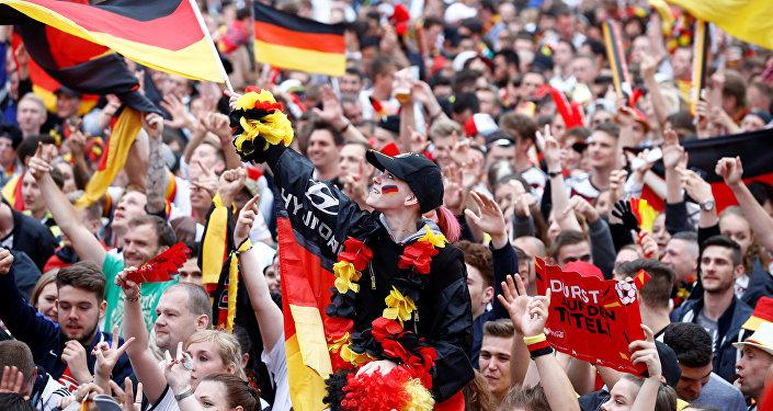 Le torchon brûle entre des fans allemands la veille d'un match de foot