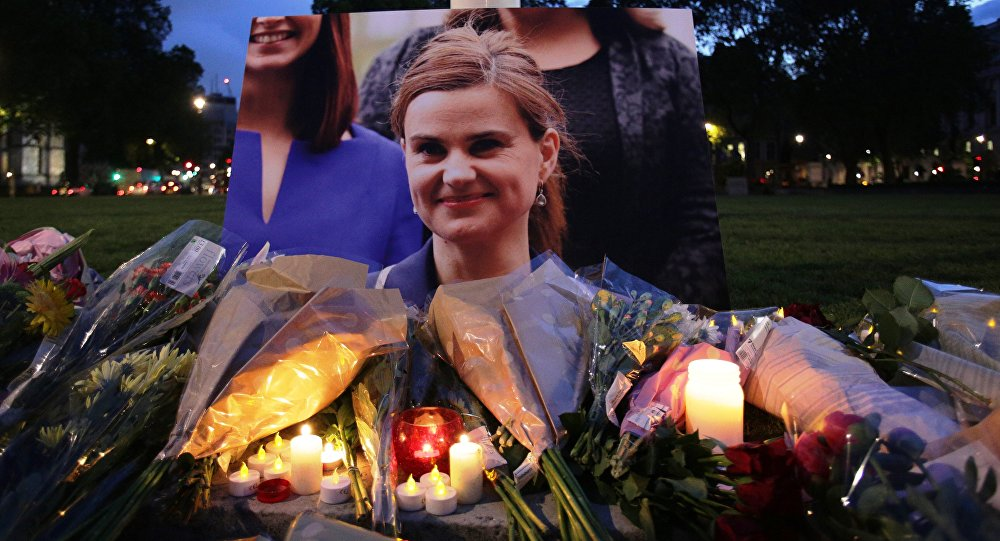 Meurtre de Jo Cox : entre deuil et récupération politique