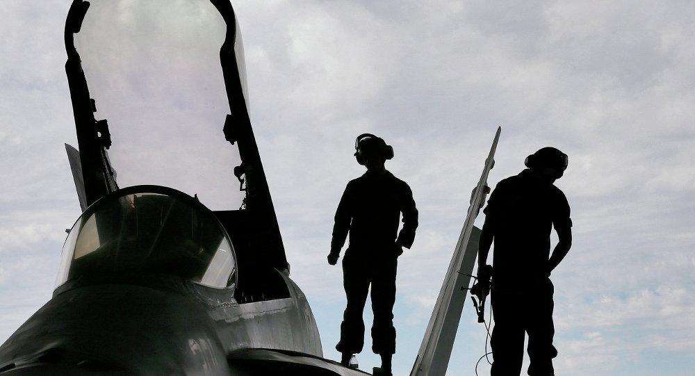 Deux avions de l'armée américaine se percutent en plein vol — Japon
