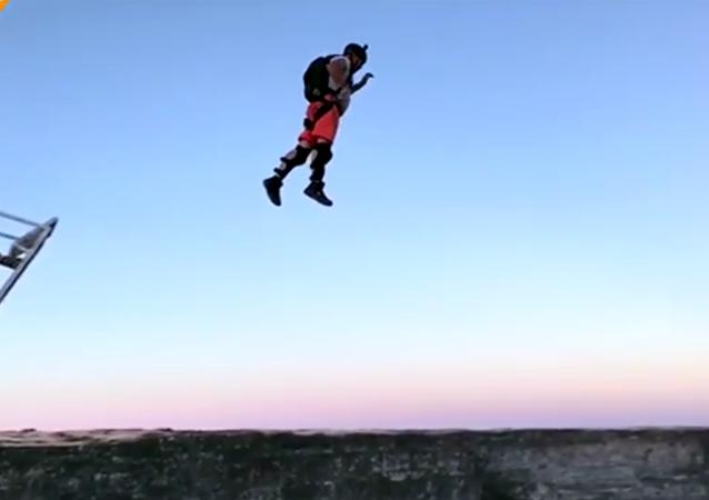 Base jump, ou la balançoire russe