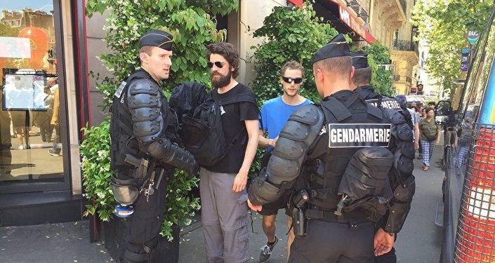 Une centaine d'interpellations en marge de la manifestation à Paris