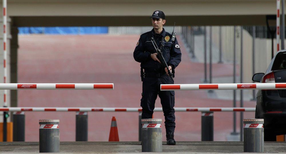 Un agent de police à Ankara