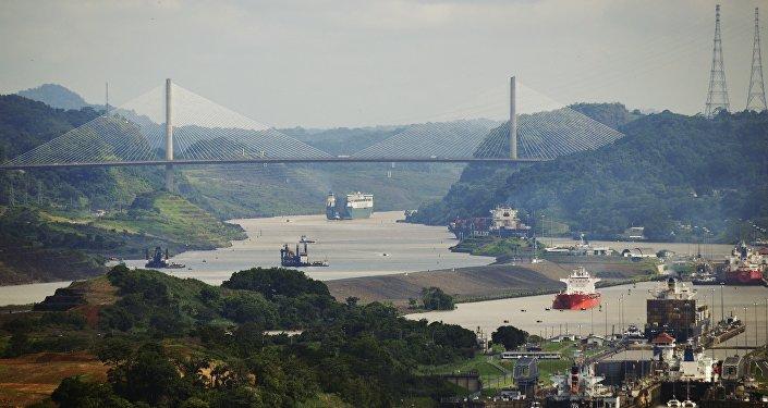 Un navire américain croise près d'une île revendiquée par Pékin