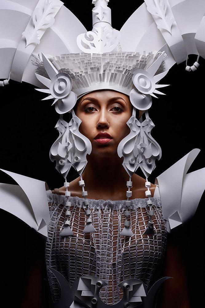Des costumes merveilleux créés à partir de papier.