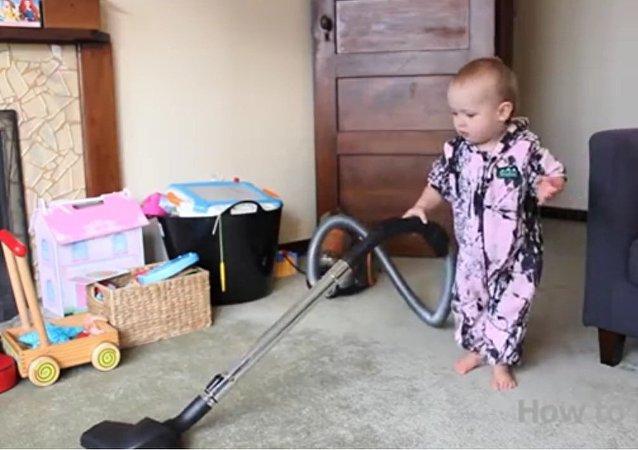 Un père forçant son enfant à nettoyer fait un véritable buzz sur Internet