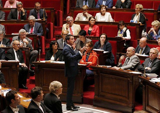 Premier ministre Manuel Valls devant l'Assemblée Nationale
