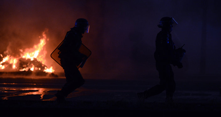 France: plus de 900 voitures endommagées ou brûlées dans la nuit du Nouvel An