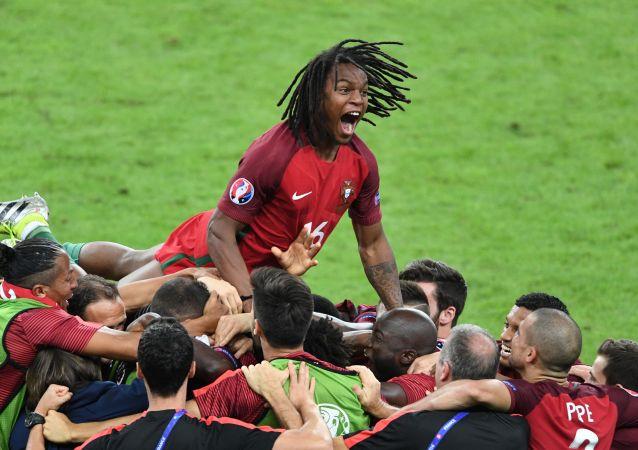 La joie et les larmes lors de la finale de l'Euro-2016