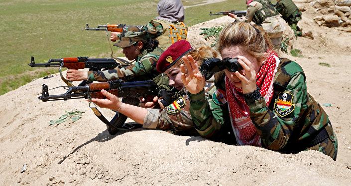 Femmes kurdes luttant contre Daech en Irak
