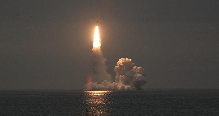 Tir d'un missile balistique