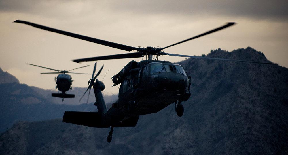 Hélicoptères Black Hawk