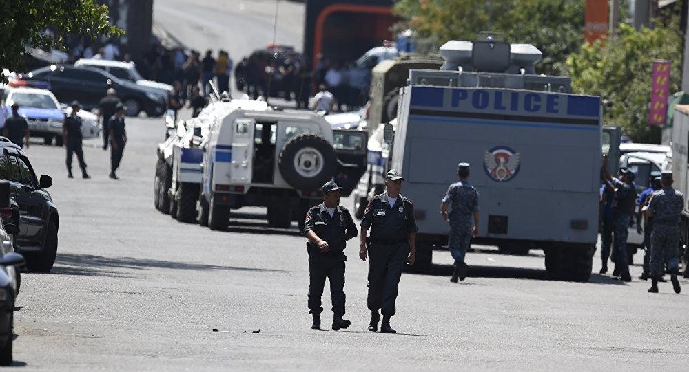 Prise d'otages dans un commissariat d'Erevan