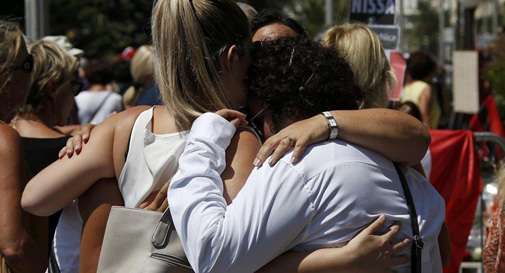 L'hommage aux victimes de l'attentat de Nice