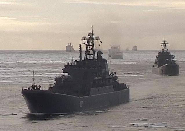 Une escadre de la Flotte russe du Nord en Arctique