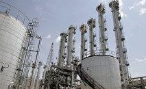 vue générale d'une usine d'eau lourde à Arak, 320 kms au sud de Téhéran