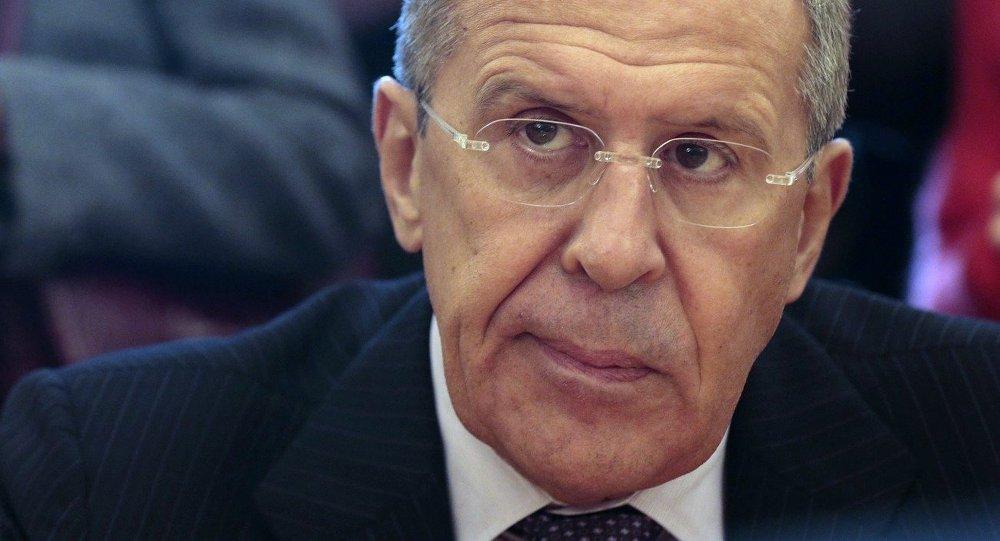 Face aux contradictions US, Lavrov se réfère uniquement aux positions de Trump