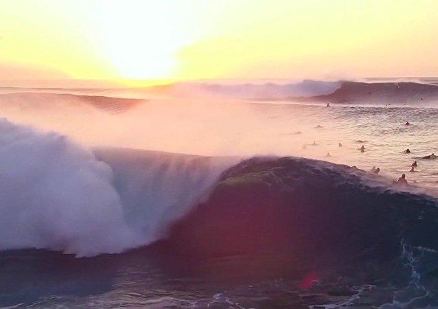 Banzai Pipeline, la vague la plus puissante au monde