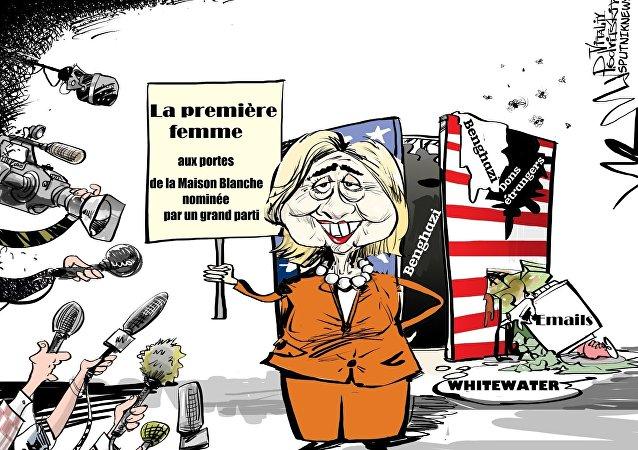 Du Whitewater aux emails: ça y est, Clinton, première femme désignée candidate!