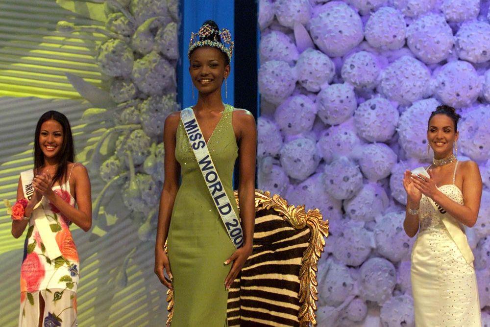 En 2001, pour la première fois dans l'histoire du concours, le jury a couronné une Africaine de souche, Agbani Darego