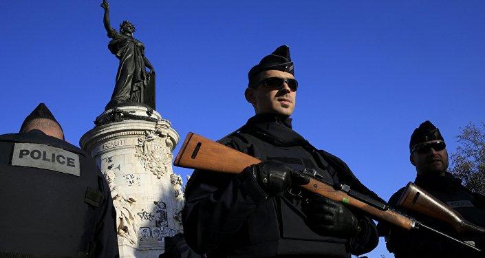 Un policier à Paris